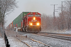 Q165 (craigsanders429) Tags: csx csxtrains csxeriewestsubdivision canadianpacificlocomotives canadianpacific northeastpennsylvania winter winterphotography winterrailroadphotography winterontherailroad winterandrailroads intermodaltrains stacktrains