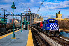 Devil With a Blue Dress (BravoDelta1999) Tags: cit canadiannational cn railway illinoiscentral ic railroad chicagosubdivision metra metx electric 55th 56th 57th street hydepark southside chicago illinois emd sd60 cefx 6017 l536 manifest train