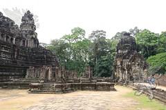 Angkor_Baphuon_2014_07