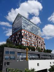 a giraffe in a new world (Jeanne Menjoulet) Tags: billancourt architecture modern giraffe girafe tourhorizons jeannouvel