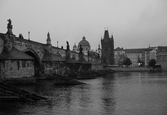 Early morning in Prague (romanboed) Tags: leica m 240 summilux 50 czech europe cesko czechia prague praha prag praag praga city fall autumn travel tourism 布拉格 прага プラハ براغ 프라하 vltava reka river moldau cityscape karluv most charles bridge