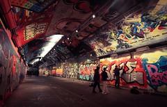 Artist at work (m5cjk) Tags: banksytunnel banksy