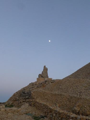 Statue, Mount Nemrut (Nemrut Dağı), Turkey