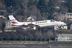 Cessna 550 Citation Bravo (zfwaviation) Tags: kpdx pdx portland international airport oregon or parking garage airplane aircraft jet plane aviation airliner runways take off landing 10r 10l rain spotting d750 200500mm cessna citation n404ls