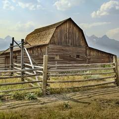 20190112-134904-2 (alnbbates) Tags: january2019 mormonrow barn hdr wyoming grandtetons