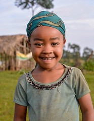 Dizi Girl (Rod Waddington) Tags: africa african afrique afrika äthiopien ethiopia ethiopian ethnic ethnicity etiopia ethiopie etiopian omovalley omo omoriver outdoor dizi tribe traditional tribal culture cultural child girl outdoors portrait people