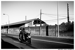 -- (Matías Brëa) Tags: calle street photography blanco y negro black white bnw personas people gente sombras shadow muro wall mono monochrome monocromo carretera monocromático líneas cielo