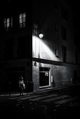 DSCF6807-Modifier (christiandumont) Tags: monochrome streetphotography streetphoto streetlife street blackandwhite blackwhite noiretblanc bw nb nuit night ruedeparis x100f fujifilm