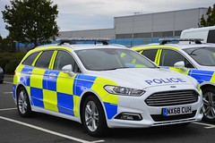 NX68 CUH (S11 AUN) Tags: cleveland police ford mondeo zetec estate dog section policedogs dsu dogsupportunit incident response 999 emergency vehicle nx68cuh
