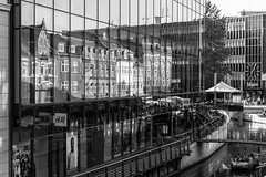 Aarhus (michael_hamburg69) Tags: århus aarhus dänemark danmark denmark midtjylland jütland magasin reflection spiegelung reflexion monochrome windows window river buildings architecture