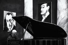 Totò Piano (FrancescoDiBenedetto89) Tags: totò piano blackandwhite black white palazzo venezia naples napoli italy pentax 1650