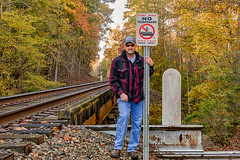 Where I'm Not Supposed to Be (Back Road Photography (Kevin W. Jerrell)) Tags: selfportraits selfies autumn autumncolors autumnbeauty nikond7200 sigmalens backroadphotography notrespassing