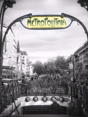 Métro Rome (marc.barrot) Tags: station streetphotography france paris 75017 ruederome boulevarddesbatignolles ligne2 métro rome shotoniphone