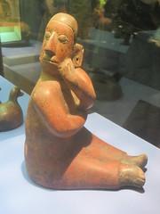 Bored Woman (edenpictures) Tags: sculpture statue newyorkcity nyc manhattan mesoamerican precolumbian art nativeamerican americanmuseumofnaturalhistory amnh naturalhistorymuseum museum upperwestside