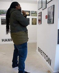 Now that's how you look at #art...lean back and take it all in 😂 ...been checking out the #photographic #exhibition by @peterboroughpresents Noticing our Neighbourhood ...cool exhibition on until tomorrow #queensgate #Peterborough #looksliketonynero (Tony Nero) Tags: artoftonynero tony nero art peterorough cambridgeshire creative out about craft paintings