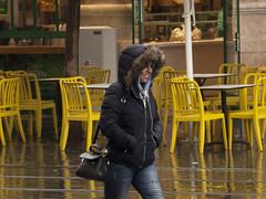 Smiling in the Rain (zeevveez) Tags: זאבברקן zeevveez zeevbarkan canon people rain jaffastreet