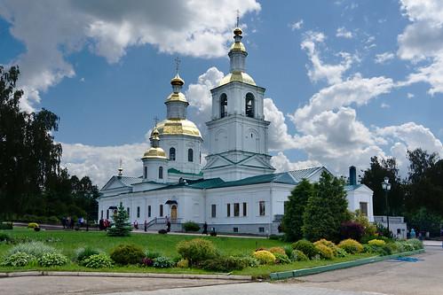 Церковь Казанской иконы Божьей Матери в Дивеево.