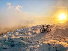 Polar Vortex (Philocycler) Tags: polarvortex polarvortex2019 chicago adlerplanetarium lakemichigan chicagolakefront steam winter ice snow cold sun sunrise iphone iphonex