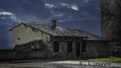 Llega el invierno (jkazkarate) Tags: frias burgos españa casa lluvia oscuridad invierno
