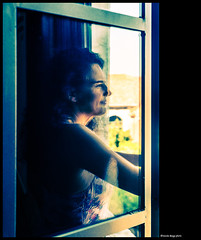 volare lontano (magicoda) Tags: italia italy magicoda foto fotografia venezia venice veneto bw persone people maggidavide davidemaggi passione passion voyeur candid colore color colour wife upskirt tourists donna woman long classic friends nikon d750 dsrl reflex 2018 ombre ombra shadow riflesso reflexion riflessi reflection biennale arsenale portrait ritratto dream sogni fantasy fantasia volare fly braccio arm onda wave finestra window far lontano top profilo