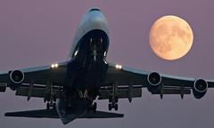 G-BNLK - Boeing 747-436 - LHR (Seán Noel O'Connell) Tags: britishairways ba speedbird gbnlk boeing 747436 b747 b744 747 heathrowairport heathrow lhr egll 27l yvr cyvr ba85 baw5vy moon aviation avgeek aviationphotography planespotting