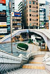 urban geometry. (barbs--) Tags: leicam6 ueno tokyo city cities cityscapes urbangeometry 35mm 35mmfilmphotography kodakektar100 voigtländernokton35mm highlines keiseiueno aftertherain