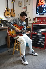 Jesse Tyre is back for the once over. This time with his newest purchase.....a 1968 Gibson Barney Kessel just like Gene Cornish, neelyguitars.com (David Neely) Tags: gibson electric barney kessel guitars