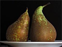 Pera conferencia (Esteban OF) Tags: nature fruit color pera food