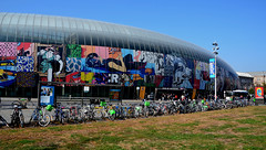 Gare de Strasbourg  -  Train station of Strasbourg (Philippe Haumesser (+ 7000 000 view)) Tags: gare trainstation ville city strasbourg alsace elsass france basrhin 67 d7000 nikon reflex 169 nikond7000 architecture artderue streetart vélos bicyclettes bicycles ciel sky 2018 urbex