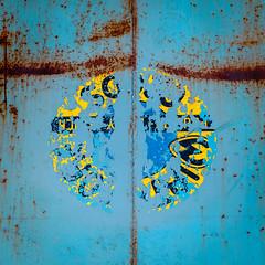(jtr27) Tags: dscf4253xl3 jtr27 fuji fujifilm xt20 minolta mc rokkkor rokkorpf 55mm f17 manualfocus blue square abstract rust oxidation maine