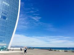 """Perfil"" (atempviatja) Tags: cielo mar nubes edificio plaza proyecto brcelona barceloneta hotel w"