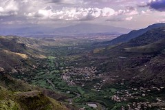 Yemen (Rod Waddington) Tags: middle east yemen traditional yemeni landscape town village mountains agriculture fields houses valley valle outdoor