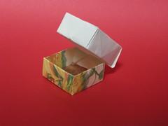 Box with lid (Mélisande*) Tags: mélisande origami box rectangle