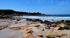 Vista de la Ermita De La Lanzada desde la Playa de Foxos. Pontevedra. (estebancr76) Tags: playa cielo mar ocèano arena rocas ermita agua