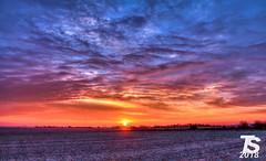 2/2 Winter Sunrise over Iowa Falls, Iowa 12-25-18 (KansasScanner) Tags: iowafalls iowa up train railroad sunset sunrise