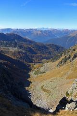 Val Orsera (Tabboz) Tags: montagna lagorai lago autunno prati nuvole sentiero escursione cielo erba porfido acqua panorama sole