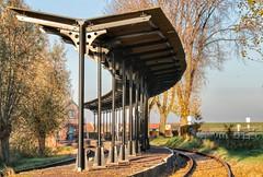 Hoedekenskerke (Omroep Zeeland) Tags: station rails verlaten seizoensstop stoomtrein