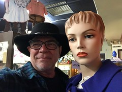 This year I'm reaching out to meet new people and make more friends   -     Explore # 156, thank you who faved and commented (Bob the Real Deal) Tags: oldtownclovis friends