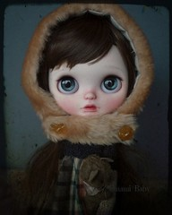 Nostalgia 🌾 #umamibaby #blythe #doll #artdoll #art #betweenmirrors #blythephotography #toyphotography #toyartist #blytheooak #madeinsingapore #singaporeart #handmadesg #dollphotography #blythedoll #faceup #kawaii #ooakdoll (umami_baby) Tags: instagram blythe umami baby custom art doll faceup customized dolly adoption