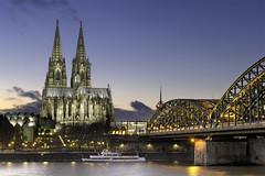 Cathédrale de Cologne (nietsab) Tags: cathédrale cologne koln allemagne deutschland cityscape paysage nuit night nietsab canon eos 600d ngc