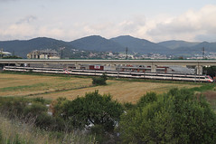 Mollet_-_2011-07-14_04_-_JTCurses (JT Curses 2012) Tags: civia renfe adif 463 465 tren train rodalies cercanias r2 r2n mollet molletdelvallès rail railway bahn railroad ferrocarril