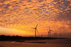 Goodbye, 2018 (Ben-ah) Tags: silhouettes sea orange burningsky sky 台灣 玄寶大橋 中港溪 竹南 sunset clouds windmill taiwan zhunan westcoasthighway landscape 2018 newyearseve