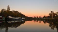 Autumn (petit_filou77) Tags: automne autumn colors autumncolors boat marne noisy noisylegrand river water reflection reflet nature france ciel sky