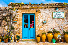 Marzamemi (fede_gen88) Tags: sicilia sicily italia italy nikond7200 nikon marzamemi door blue blu