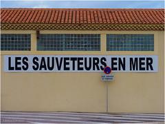 SEA RESCUERS (Luc V. de Zeeuw) Tags: building trafficsign martigues provencealpescôtedazur france