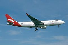 F-WWYU Airbus A330 Qantas (@Eurospot) Tags: fwwyu vhebc airbus a330 a330200 qantas lfbo toulouse blagnac