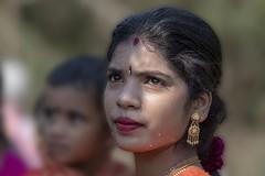 Rêveuse (Patrick Doreau) Tags: portrait asiatique femme woman asian birman myanmar birmanie bagan sourire smile beauté beauty fête hindoue burma