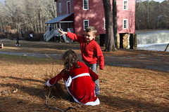 2018-12-23 16.22.53 (whiteknuckled) Tags: christmas fayetteville smiths family trip 2018 portraits photos starrs mill