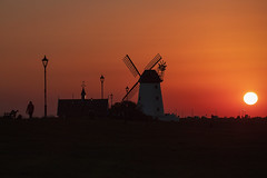 Lytham sunset (philipdownie) Tags: sunset canon 70200 evening red