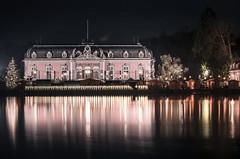Schloss Benrath (Rafael Zenon Wagner) Tags: schloss wasser spiegelung lichter weihnachten palace water reflection lights christmas nacht night winter